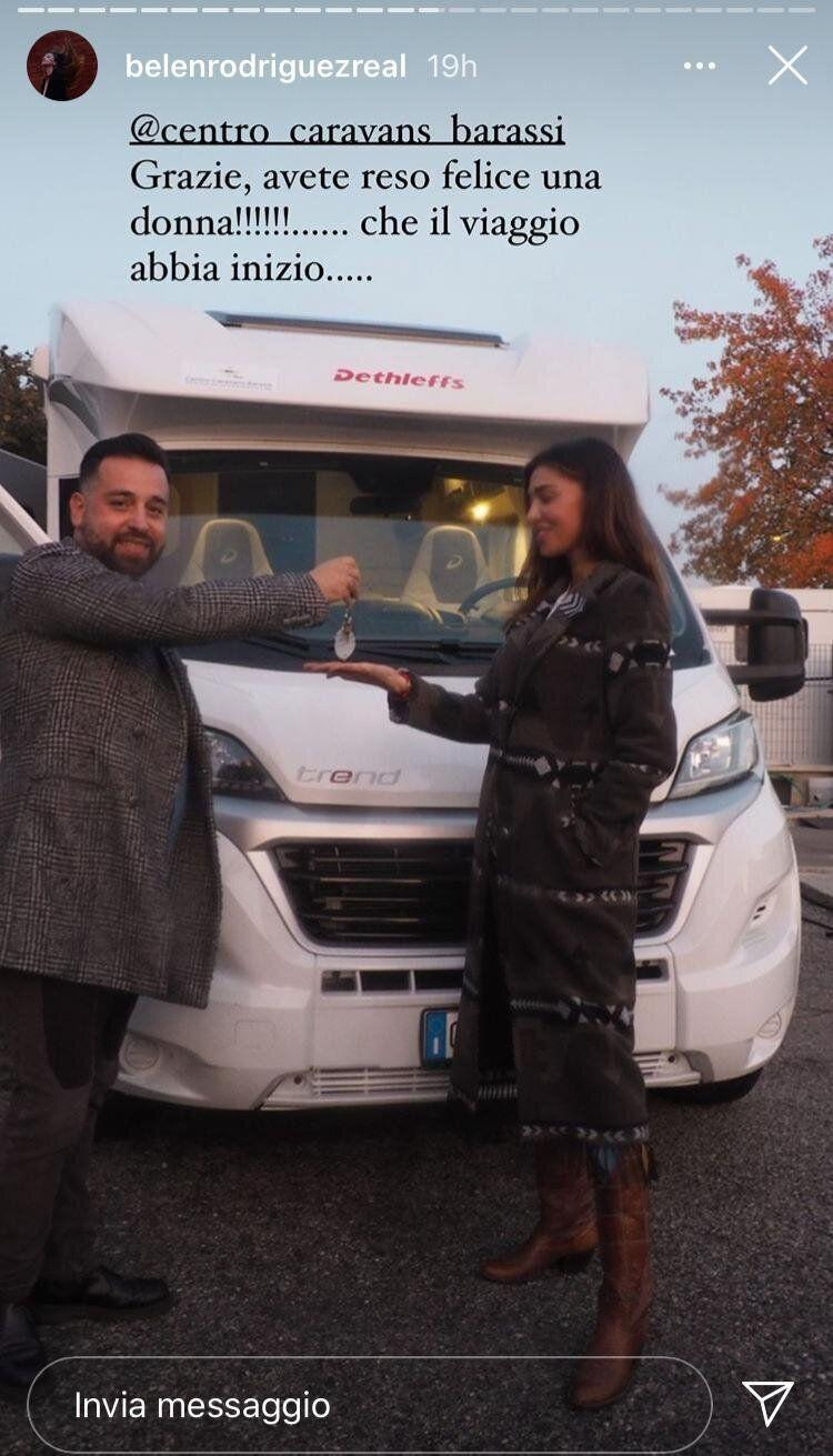 Belen è partita con il fidanzato in camper (Photo: Instagram)