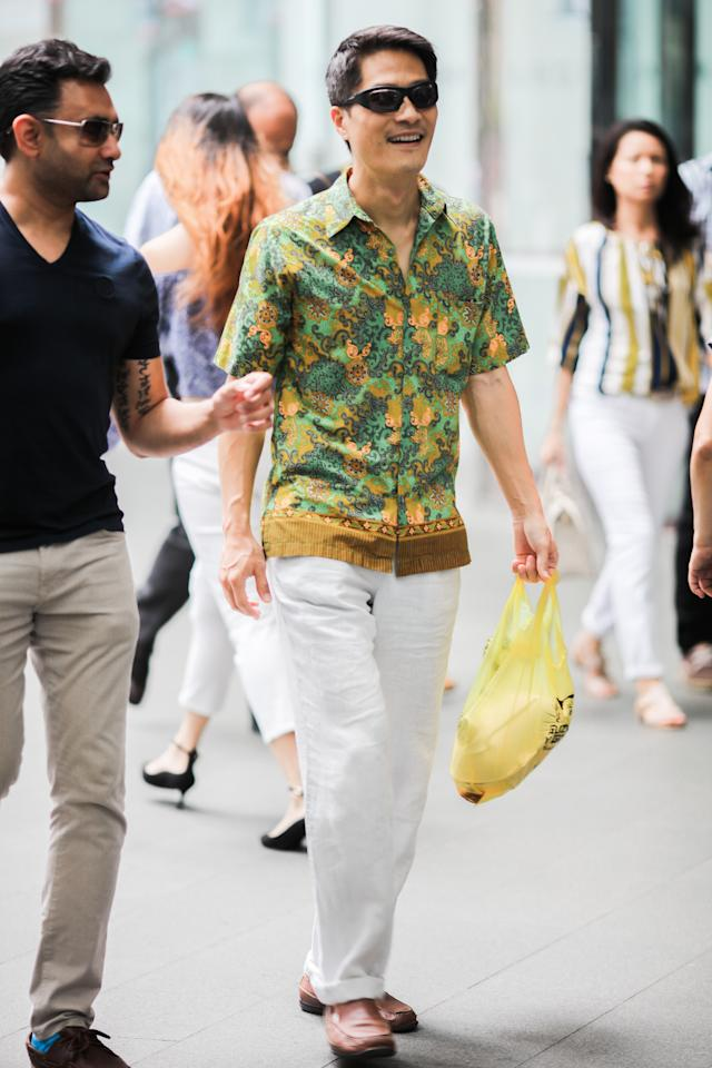 <p>Not your dad's batik shirt. Cut in a contemporary silhouette, with the hem line resting above the trouser pocket. (Photo: Don Wong) </p>