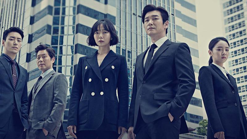 South Korean drama Stranger Season 2's prosecutor Hwang Si Mok (Cho Seung Woo, fourth from left) and Senior Police Inspector Han Yeo Jin (Bae Doona, third from left).