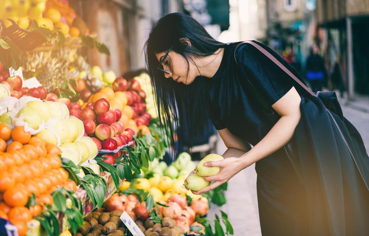 "<p>While juicing can be a way to <a href=""https://www.thedailymeal.com/eat/exotic-fruits-you-have-never-heard-of-need-to-try?referrer=yahoo&category=beauty_food&include_utm=1&utm_medium=referral&utm_source=yahoo&utm_campaign=feed"">get a lot of fruits</a> and vegetables into your diet, the process completely strips them of fiber and leaves you with a concentration of sugar. Eat whole fruits and vegetables to maximize your fiber intake.</p>"