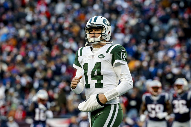 "Priority No. 1, 2 and 3 for the <a class=""link rapid-noclick-resp"" href=""/nfl/teams/ny-jets/"" data-ylk=""slk:New York Jets"">New York Jets</a> will be laying the groundwork for maximizing <a class=""link rapid-noclick-resp"" href=""/nfl/players/30973/"" data-ylk=""slk:Sam Darnold"">Sam Darnold</a>'s rookie contract window. (Photo by Jim Rogash/Getty Images)"