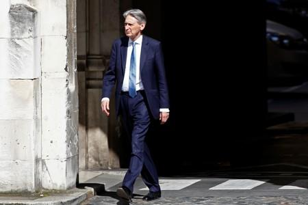 Hammond attacks 'terrifying' views of Brexiteer Rees-Mogg