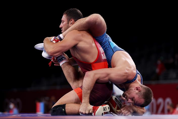<p>CHIBA, JAPAN - AUGUST 04: David Morris Taylor III of Team United States competes against Myles Nazem Amine of Team San Marino during the Men's Freestyle 86kg Quarter Final on day twelve of the Tokyo 2020 Olympic Games at Makuhari Messe Hall on August 04, 2021 in Chiba, Japan. (Photo by Maddie Meyer/Getty Images)</p>