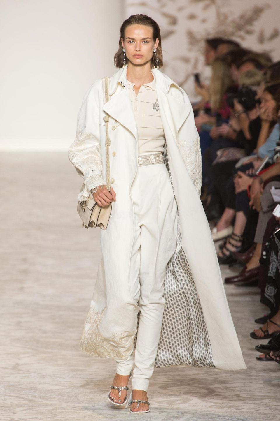 <p>An all white look from Etro's Spring 2018 collection. (Photo: ImaxTree) </p>