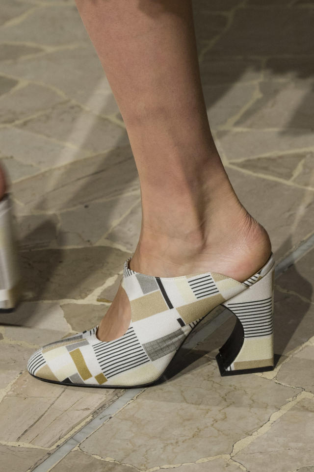 <p><i>Modern graphic mules from the SS18 Arthur Arbesser collection. (Photo: ImaxTree) </i></p>