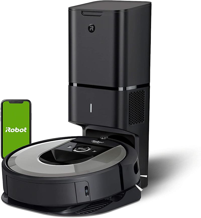iRobot Roomba i6+ (6550) Wi-Fi Connected Robot Vacuum with Automatic Dirt Disposal. (image via Amazon)