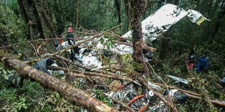 8 bodies found in Indonesian plane crash