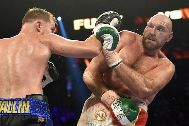 Tyson Fury (R) beat Otto Wallin during in their heavyweight bout in Las Vegas (AFP Photo/David Becker)
