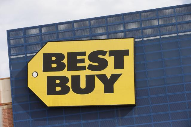 """Best Buy has had a pretty great year, with its stock up 62.33 per cent as of mid-December, with profitability in its most recent quarter coming in better than expected. Sales are also expected to get a boost in 2020 <a href=""""https://ca.finance.yahoo.com/news/best-buy-dicks-sporting-goods-earnings-what-to-know-in-markets-tuesday-011906248.html"""" data-ylk=""""slk:thanks to investments in e-commerce and delivery;outcm:mb_qualified_link;_E:mb_qualified_link;ct:story;"""" class=""""link rapid-noclick-resp yahoo-link"""">thanks to investments in e-commerce and delivery</a>. (AP Photo/Jim Mone)"""