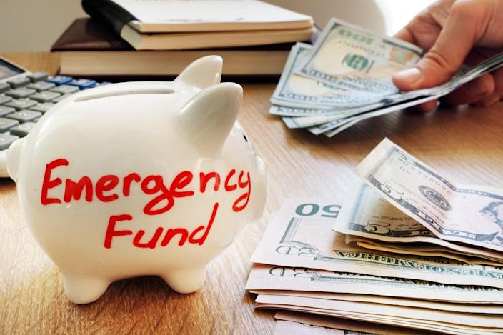 Should You Build Your Emergency Fund or Invest in the Stock Market?