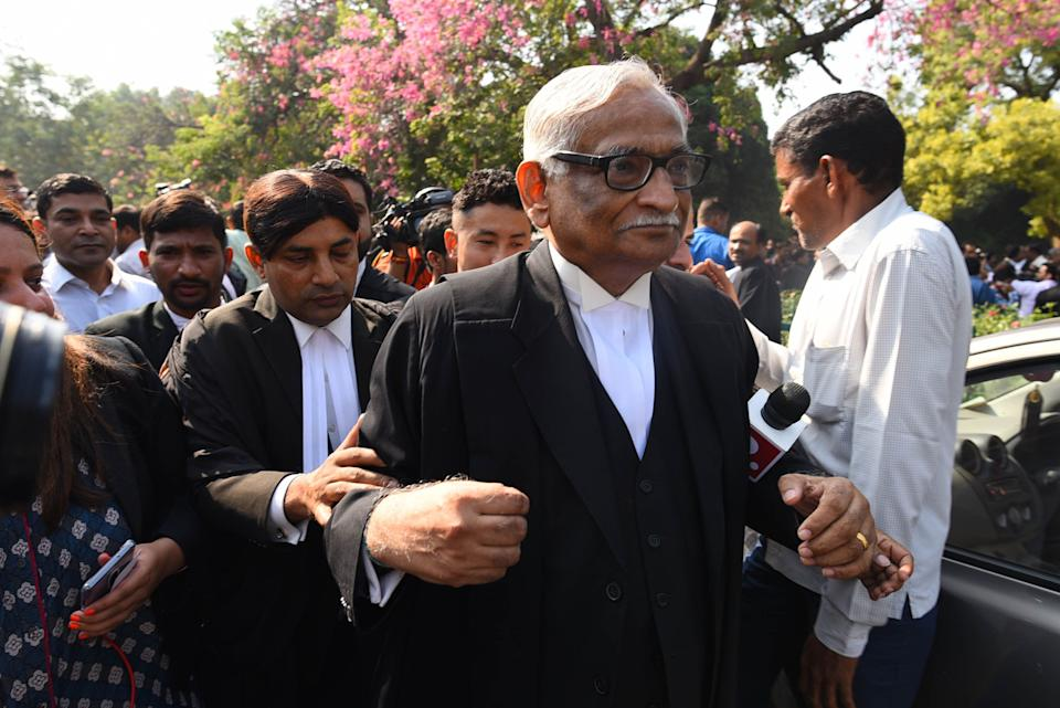 Rajeev Dhavan at the Supreme Court in New Delhi. (Photo: Hindustan Times via Getty Images)