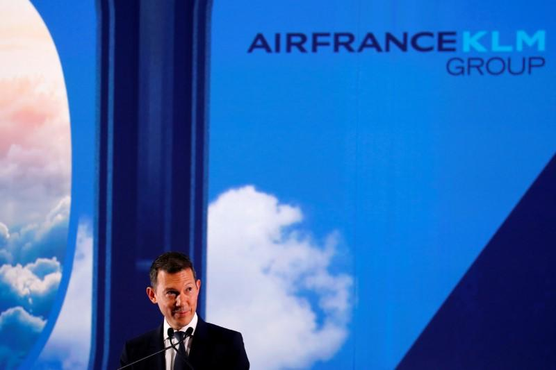 FILE PHOTO: Benjamin Smith, CEO of Air France-KLM, speaks during a ceremony for the first Airbus A350 airliner at the aircraf builder's headquarters of Airbus in Colomiers