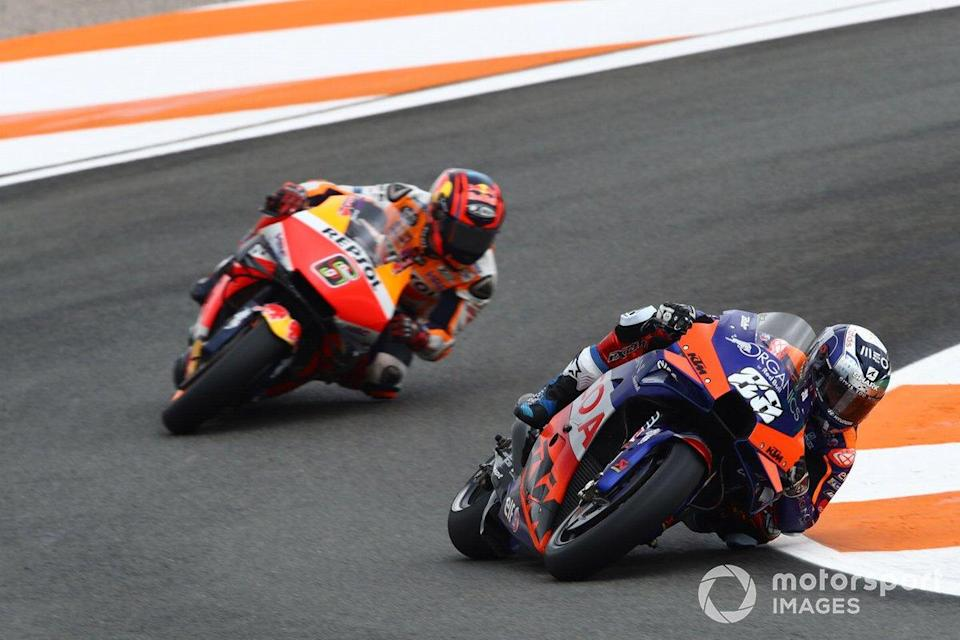 "Miguel Oliveira, Red Bull KTM Tech 3, Stefan Bradl, Repsol Honda Team<span class=""copyright"">Gold and Goose / Motorsport Images</span>"