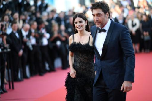Spanish actress Penelope Cruz (L) and Spanish actor Javier Bardem have replaced Angelina Jolie and Brad Pitt as the smouldering A-list couple on Cannes' red carpet