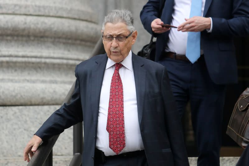 FILE PHOTO: Former New York Assembly Speaker Sheldon Silver leaves federal court after his sentencing hearing following his conviction on federal corruption charges in Manhattan
