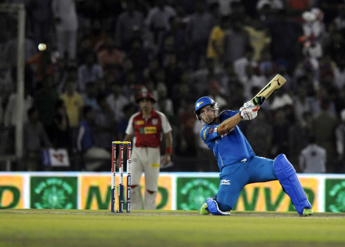 Aaron Finch of Pune Warriors  bats during match 29 of the Pepsi Indian Premier League between The Kings XI Punjab and the Pune Warriors held at the PCA Stadium, Mohali, India  on the 21st April 2013.(BCCI)