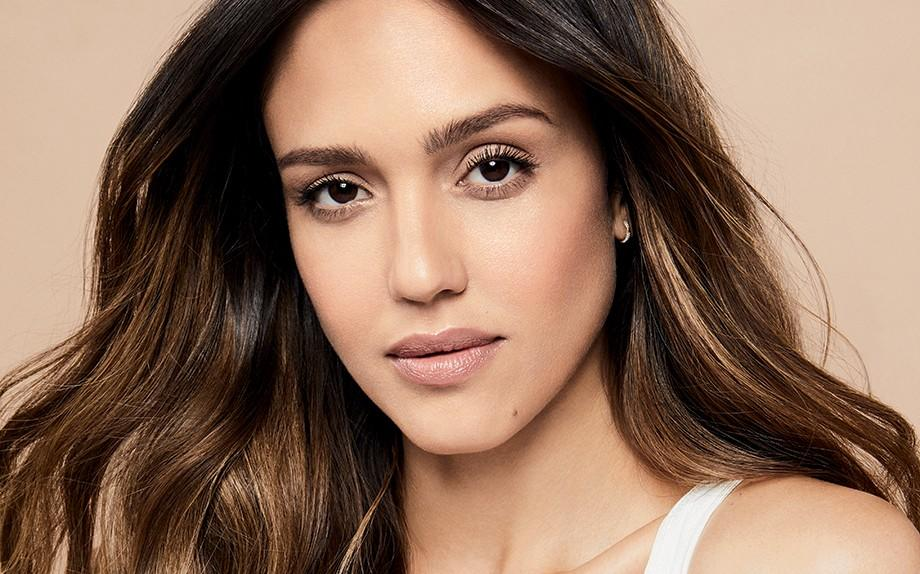 Your self-care day can be super affordable with Jessica Alba's Honest Beauty. (Credit: Honest Beauty)
