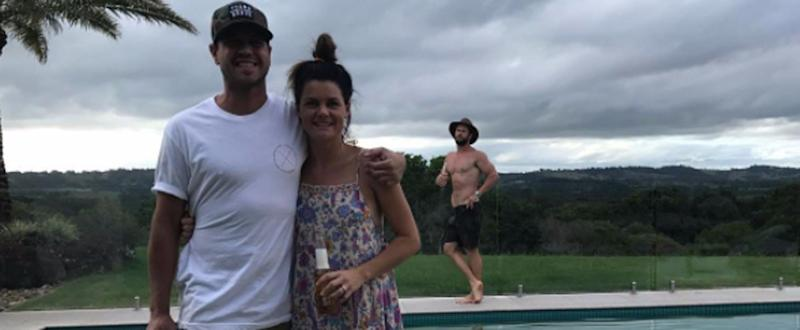 Chris Hemsworth Blesses Instagram With a Very Casual, Very Sexy Photobomb