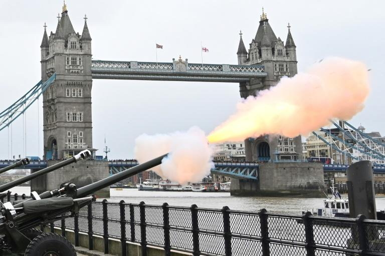 A crowd kept a respectful silence at the Tower of London as they watched the Honourable Artillery Company fire shots