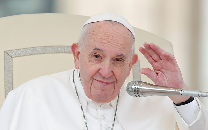 Reform not over, pope tells disgraced Legionaries religious order