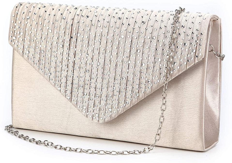 <p>For those fancy evening dinners or girls nights, she'll love this <span>Nodykka Envelope Evening Clutch Crossbody Bag</span> ($12).</p>