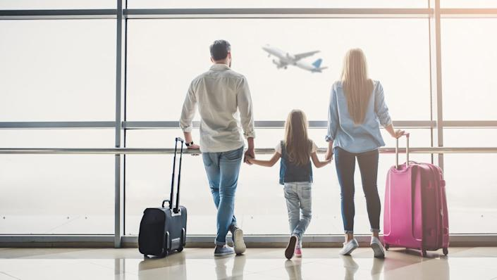 Taking the family on trip? The right credit card can take the hassle out of your vacation.