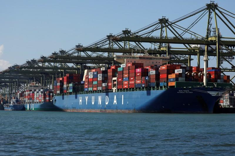 Singapore exports shrink for eighth month, miss estimates