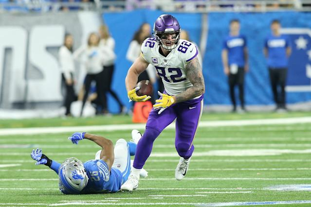 """The <a class=""""link rapid-noclick-resp"""" href=""""/nfl/teams/minnesota/"""" data-ylk=""""slk:Vikings"""">Vikings</a> reached a four-year deal with tight end <a class=""""link rapid-noclick-resp"""" href=""""/nfl/players/24830/"""" data-ylk=""""slk:Kyle Rudolph"""">Kyle Rudolph</a> on Monday night, ending weeks of uncertainty. (Scott W. Grau/Getty Images)"""