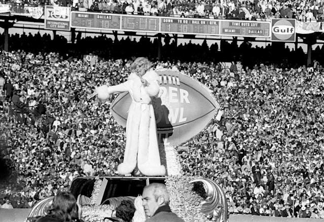 "10. Carol Channing (Super Bowl IV, 1970): Granted, Carol Channing doesn't exactly scream ""outrageous,"" but she holds a place in Super Bowl history as the first non-marching-band entertainment. At Super Bowl IV, held in New Orleans, Channing performed a peppy tribute to Mardi Gras. Of such humble origins …"