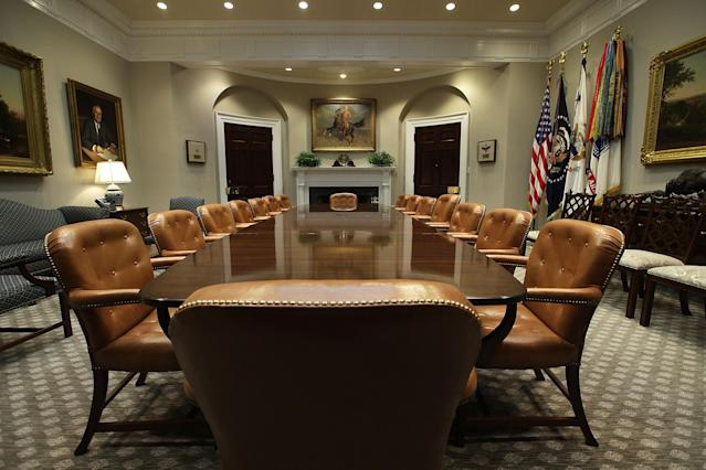 <p>The Roosevelt Room of the White House is seen after renovations on Aug.22, 2017 in Washington. (Photo: Alex Wong/Getty Images) </p>