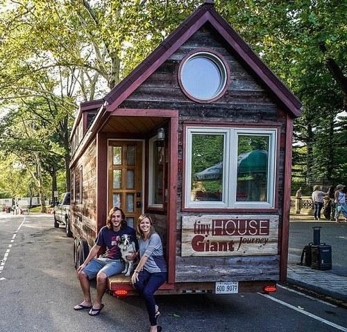 guillaume dutilh and jenna spesard are traveling across america and canada in this teeny home they built from scratch photo tiny house giant