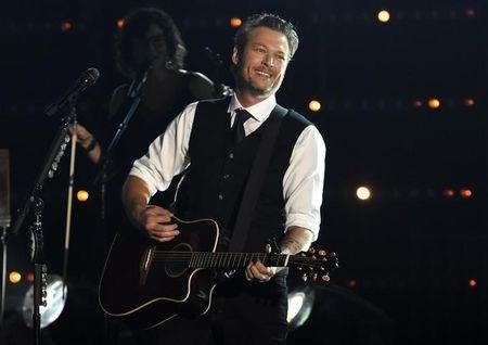 Blake Shelton Was Dubbed Sexiest Man Alive and Twitter is Confused