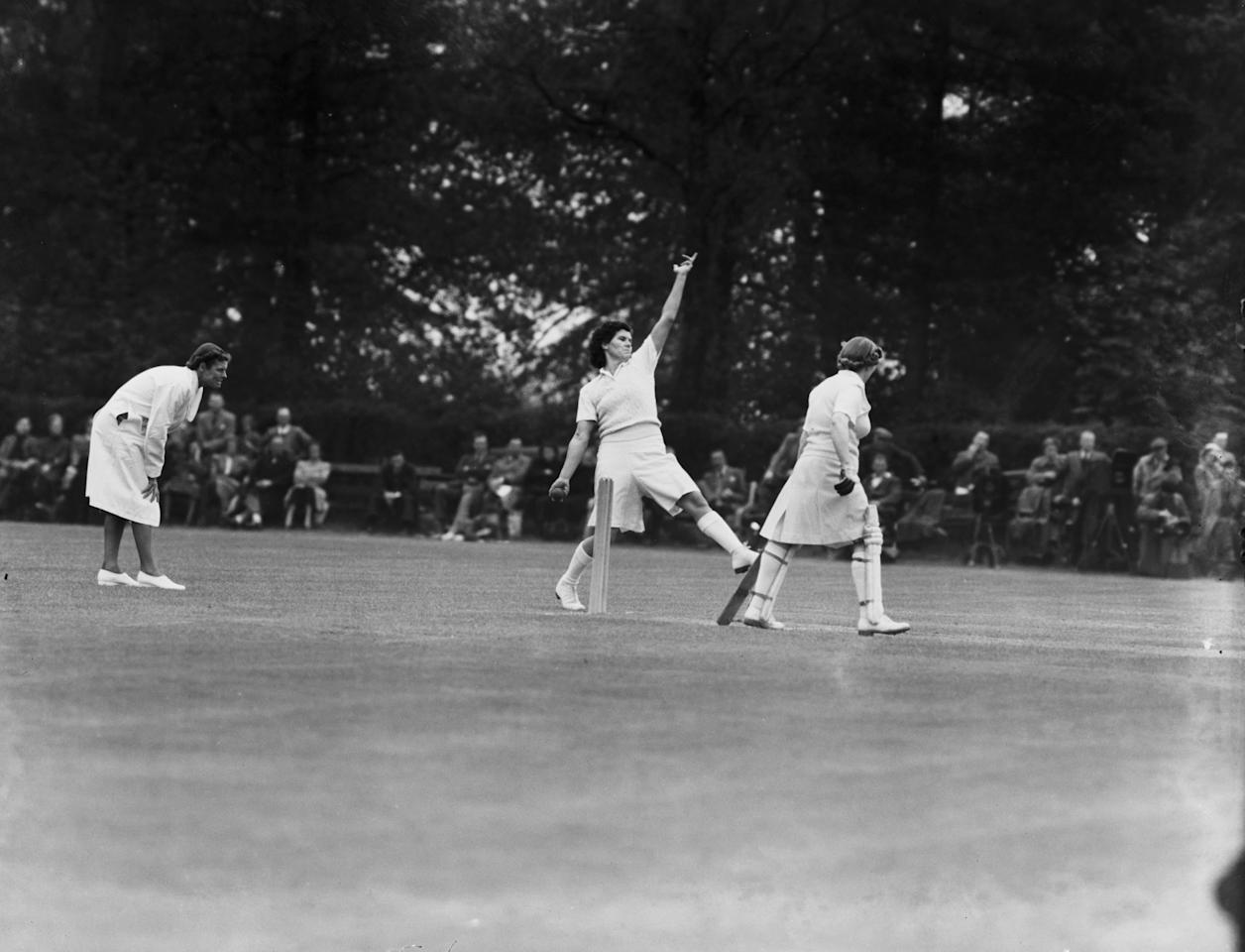 Australian cricketer Betty Wilson (1921 - 2010) bowling against Kent at Sevenoaks, at the start of the Australian Women's Cricket Team tour of England, 19th May 1951. (Photo by Dennis Oulds/Central Press/Hulton Archive/Getty Images)