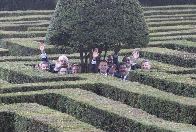 Jeremy Hunt posted a picture of himself and other foreign ministers navigating a maze: Jeremy Hunt
