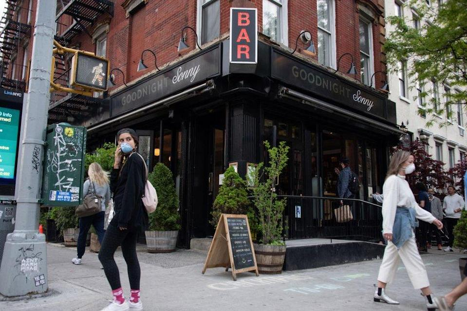 Unvaccinated people can no longer frequent the city's bars