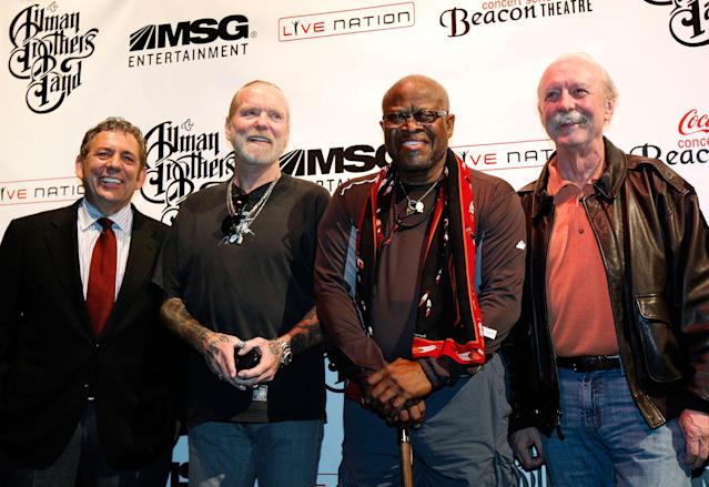 <p>Cablevision Systems Inc. and Madison Square Garden Inc. Chairman James Dolan poses with members of The Allman Brothers Band, Gregg Allman (2nd from L), Jaimoe (C) and Butch Trucks (R) at a news conference to announce a concert run by the band at New York's Beacon Theatre November 22, 2010. (Mike Segar/Reuters) </p>