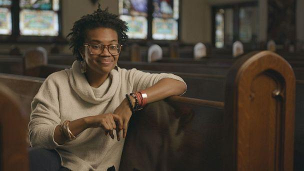 PHOTO: Pastor Michelle Higgins leads the congregation of St. John's Church in St. Louis.  (ABC)