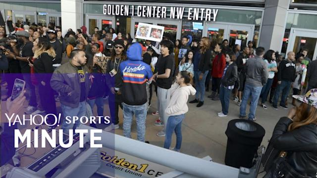 Yahoo Sports Minute recaps top stories including the Kings sending fans home due to the Stephon Clark protests, Loyola Chicago reaching the Elite Eight with a 69-68 win over Nevada and both Kansas State and Florida State upsetting Kentucky and Gonzaga, respectively.