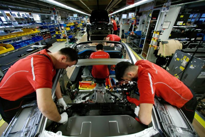 German manufacturing output contracts again in May - PMI