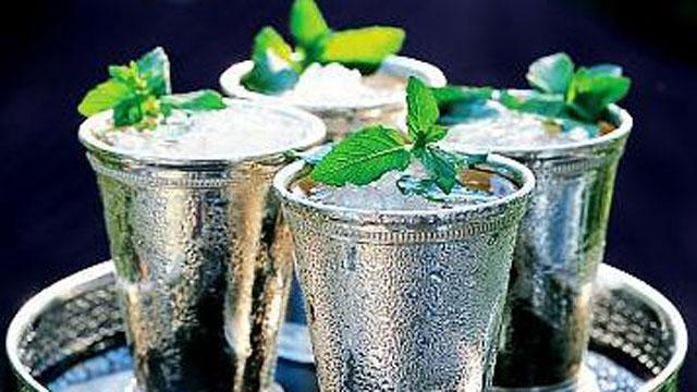 Kentucky Derby Recipes:  Mint Julep, Cheddar Biscuits