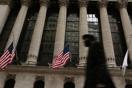 US stocks down as 'fiscal cliff' deadline nears