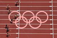 <p>Puerto Rico's Jasmine Puerto Rico's Jasmine Camacho-Quinn (top) wins the men's 800m heats during the Tokyo 2020 Olympic Games at the Olympic Stadium in Tokyo on July 31, 2021. (Photo by Antonin THUILLIER / AFP)</p>