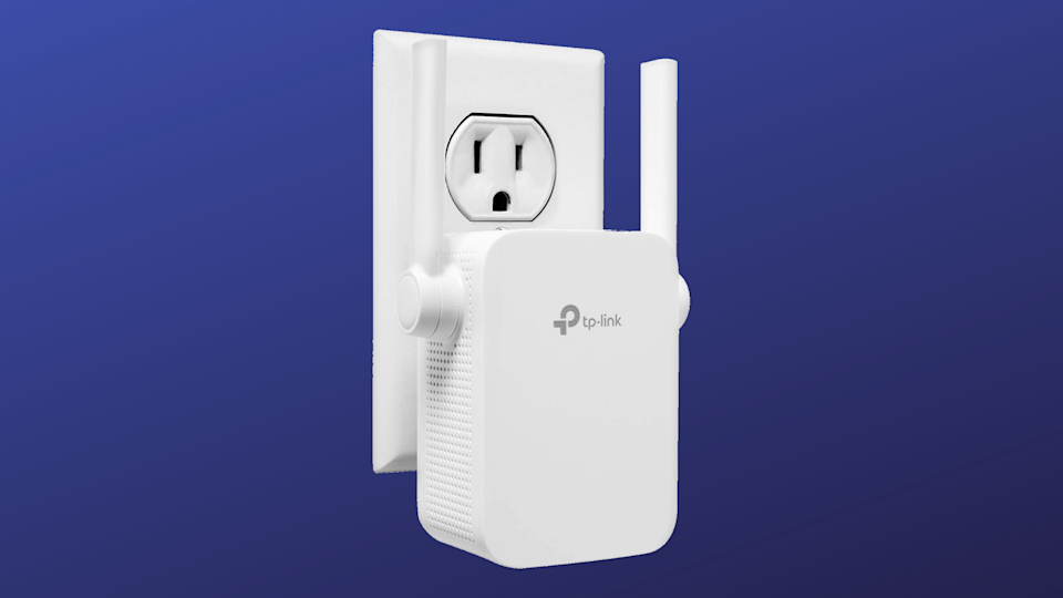 Save 40 percent on this TP-Link N300 Wi-Fi Extender. (Photo: Amazon)