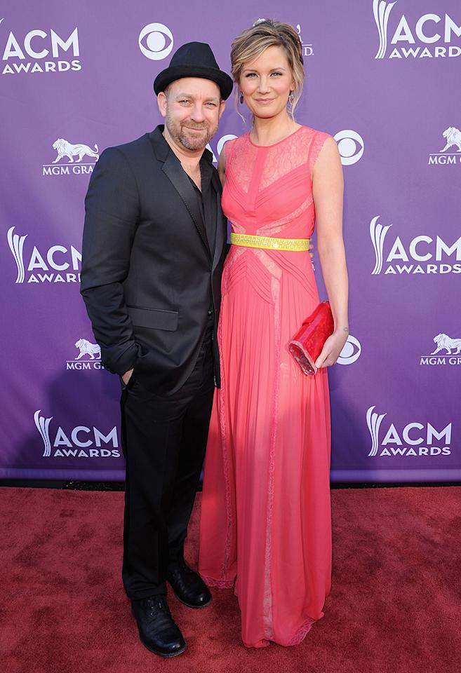 "<p class=""MsoNormal"">The duo category's reigning champ, Sugarland -- which consists of Jennifer Nettles and bandmate Kristian Bush -- arrived ready to defend their crown.</p>"