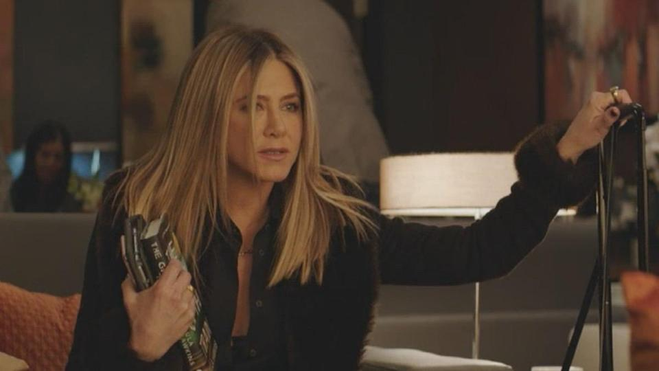 jennifer aniston in office christmas party