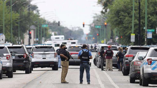 PHOTO: Police search for a suspect who shot a Chicago Police Department officer, near 63rd and Damen, Saturday, Sept. 21, 2019. The shooting happened around 8:40 a.m. (Abel Uribe/Chicago Tribune via AP)