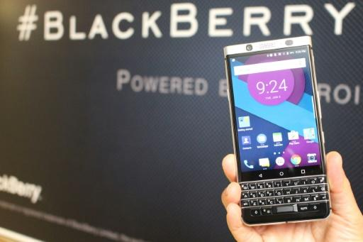BlackBerry narrows loss amid focus on services