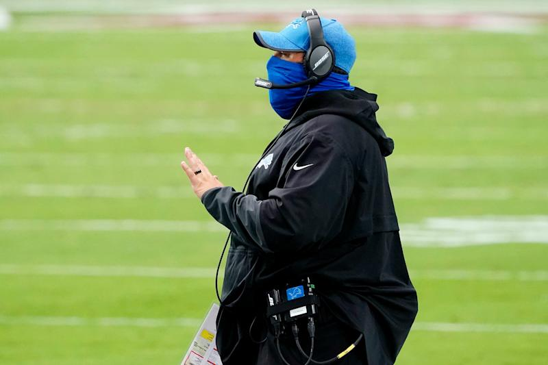 Lions coach Matt Patricia talks to his team during the first half on Sunday, Sept. 27, 2020, in Glendale, Ariz.