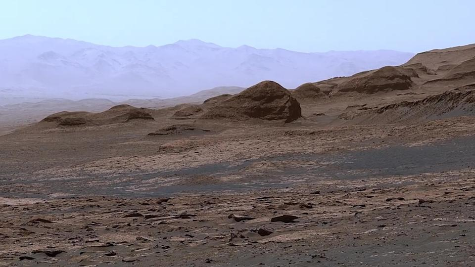 Image taken from a JPL video showing off the interior of the Gale Crater, as shot by the Curiosity Rover.