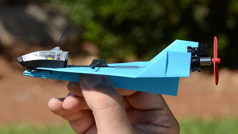 Best gifts for nerds 2019: Smartphone-Controlled Paper Airplane
